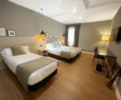 Habitación triple Hotel Cortezo