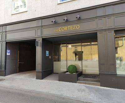 Fachada Hotel Cortezo